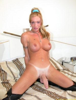 Shaved Shemale Porn